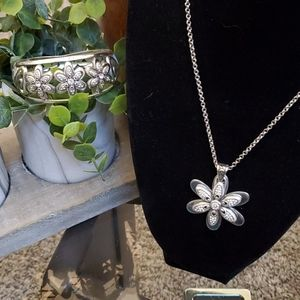 2 piece Brighton crystal daisy necklace and bangle